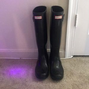 Black Gloss Hunter Boots